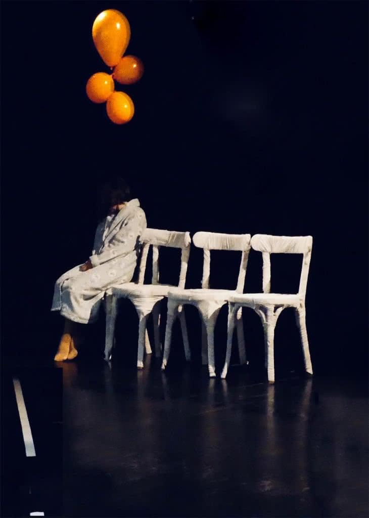 """Image illustrant le spectacle """"Odette, Léon et les autres..."""", une pièce de théâtre pour les gens écrite à partir d'une récolte de parole dans les E.H.P.A.D."""